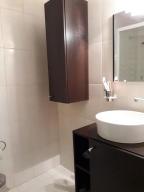 Apartamento En Venta En Caracas - Prado Humboldt Código FLEX: 18-2667 No.16