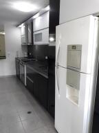 Apartamento En Venta En Caracas - Prado Humboldt Código FLEX: 18-2667 No.13