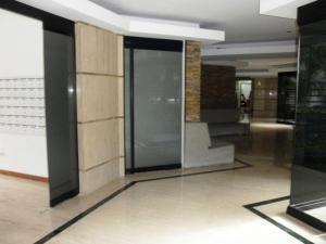 Apartamento En Venta En Caracas - El Rosal Código FLEX: 18-2778 No.1