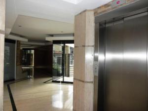 Apartamento En Venta En Caracas - El Rosal Código FLEX: 18-2778 No.2