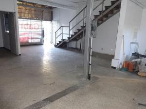 En Venta En Caracas - La Urbina Código FLEX: 18-4103 No.3