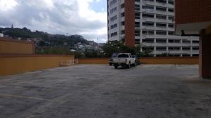 Apartamento En Venta En Caracas - Lomas del Avila Código FLEX: 18-3330 No.13
