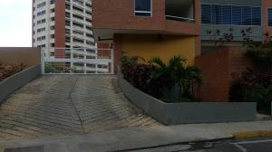 Apartamento En Venta En Caracas - Lomas del Avila Código FLEX: 18-3330 No.17