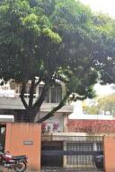 Apartamento En Venta En Caracas En La Castellana - Código: 18-3388