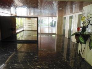 Apartamento En Venta En Caracas - La Florida Código FLEX: 18-3934 No.1