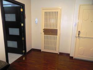 Apartamento En Venta En Caracas - La Florida Código FLEX: 18-3934 No.2
