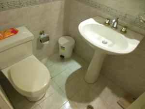 Apartamento En Venta En Caracas - La Florida Código FLEX: 18-3934 No.9