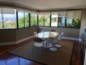Apartamento En Venta En Caracas - Los Palos Grandes Código FLEX: 18-3578 No.5