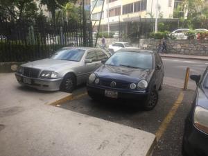 En Alquiler En Caracas - Altamira Código FLEX: 18-3676 No.2