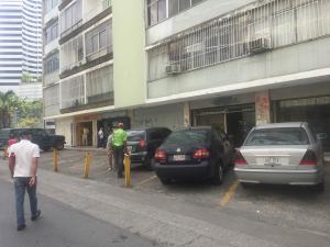 En Alquiler En Caracas - Altamira Código FLEX: 18-3676 No.10