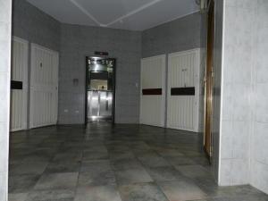 Apartamento En Venta En Caracas - Chacao Código FLEX: 18-3786 No.2