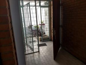 Casa En Venta En Caracas - La California Sur Código FLEX: 18-4070 No.2