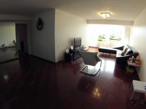 Apartamento En Venta En Caracas - El Cigarral Código FLEX: 18-3973 No.1