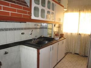 En Venta En Caracas - Las Acacias Código FLEX: 18-4140 No.3