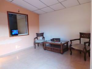 Casa En Venta En Maracay - El Limon Código FLEX: 18-4156 No.1