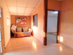 Casa En Venta En Maracay - El Limon Código FLEX: 18-4156 No.3