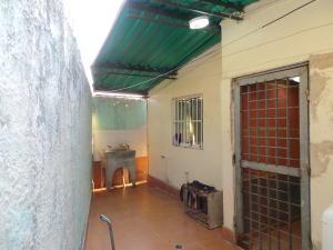 Casa En Venta En Maracay - El Limon Código FLEX: 18-4156 No.12