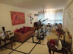 Apartamento En Venta En Caracas - La Florida Código FLEX: 18-4176 No.4
