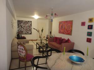 Apartamento En Venta En Caracas - La Florida Código FLEX: 18-4176 No.5