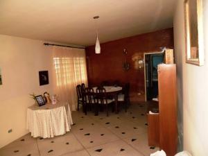 Casa En Venta En Maracay En El Limon - Código: 18-4191