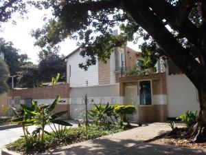 Townhouse En Venta En Maracay - Barrio Sucre Código FLEX: 18-4240 No.0