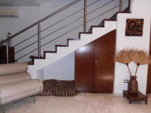 Townhouse En Venta En Maracay - Barrio Sucre Código FLEX: 18-4240 No.7