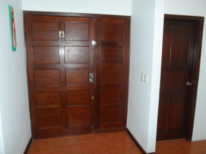 Casa En Venta En Caracas - Prados del Este Código FLEX: 18-4663 No.2