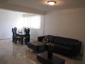 Apartamento En Venta En Caracas - Santa Sofia Código FLEX: 18-4789 No.1