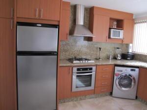 Apartamento En Venta En Caracas - Santa Sofia Código FLEX: 18-4789 No.3