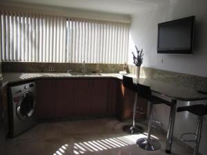 Apartamento En Venta En Caracas - Santa Sofia Código FLEX: 18-4789 No.5
