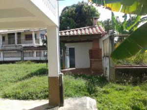 Casa En Venta En Higuerote - Ciudad Balneario Higuerote Código FLEX: 18-7741 No.13