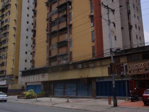 Apartamento En Venta En Maracay - El Centro Código FLEX: 18-5420 No.2