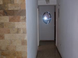 Apartamento En Venta En Maracay - El Centro Código FLEX: 18-5420 No.10