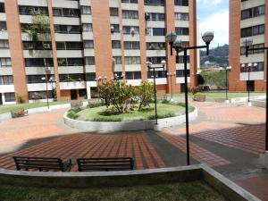 En Venta En Caracas - Lomas del Avila Código FLEX: 18-5434 No.16
