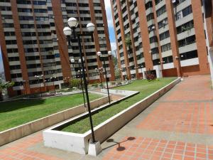 En Venta En Caracas - Lomas del Avila Código FLEX: 18-5434 No.17
