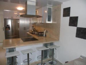 Apartamento En Venta En Caracas - Los Naranjos Humboldt Código FLEX: 18-5550 No.8