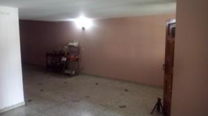 Casa En Venta En Maracay - Las Acacias Código FLEX: 18-5703 No.2