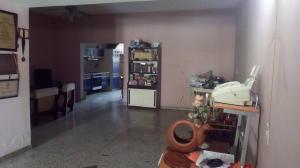 Casa En Venta En Maracay - Las Acacias Código FLEX: 18-5703 No.4