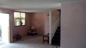 Casa En Venta En Maracay - Las Acacias Código FLEX: 18-5703 No.16