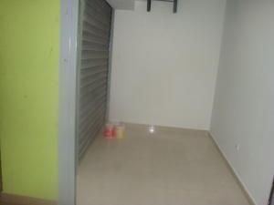 Local Comercial En Venta En Maracay - El Centro Código FLEX: 18-5752 No.3