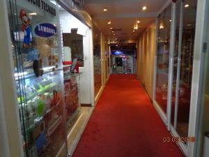 Negocio o Empresa En Venta En Caracas - Las Mercedes Código FLEX: 18-5861 No.2