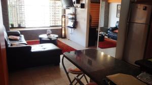 Apartamento En Venta En Caracas - Parroquia La Candelaria Código FLEX: 18-6221 No.2