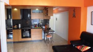 Apartamento En Venta En Caracas - Parroquia La Candelaria Código FLEX: 18-6221 No.4