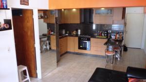 Apartamento En Venta En Caracas - Parroquia La Candelaria Código FLEX: 18-6221 No.5