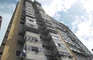 Apartamento En Venta En Caracas - San Martin Código FLEX: 18-6029 No.0