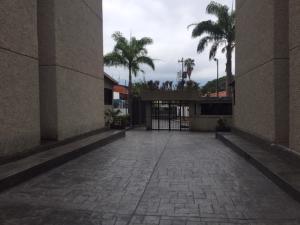 Apartamento En Venta En Caracas - Lomas de Bello Monte Código FLEX: 18-6038 No.2