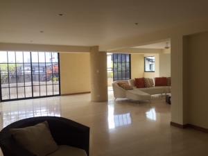 Apartamento En Venta En Caracas - Lomas de Bello Monte Código FLEX: 18-6038 No.6
