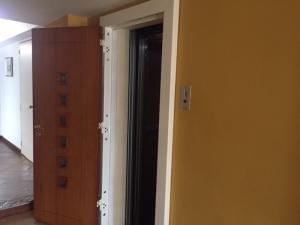 Apartamento En Venta En Caracas - Lomas de Bello Monte Código FLEX: 18-6038 No.5