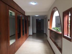 Apartamento En Venta En Caracas - Lomas de Bello Monte Código FLEX: 18-6038 No.3