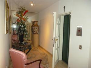 Apartamento En Venta En Caracas - Valle Arriba Código FLEX: 18-6434 No.2